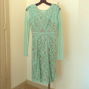 BCBGMaxazria green lace dress